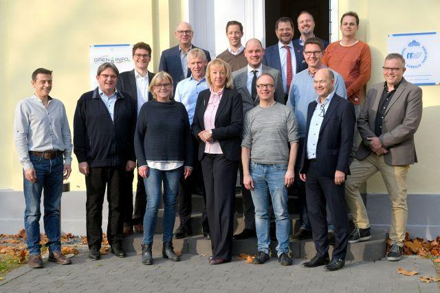 De initiatiefnemers van het Arbeidsmarktplatform van de Euregio Rijn-Waal. Deze foto werd vóór de coronapandemie gemaakt.